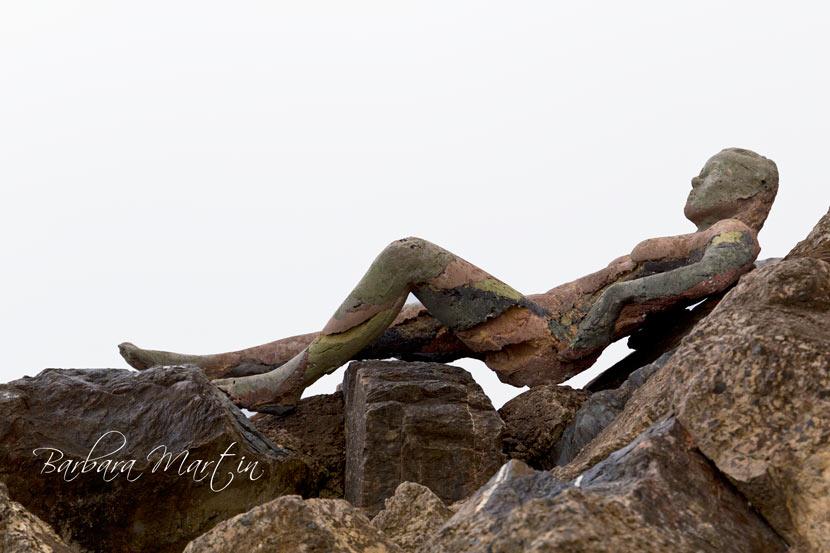 recling-woman
